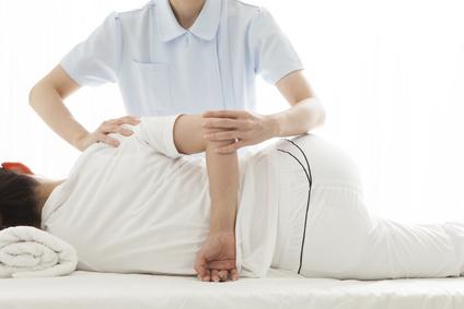 骨格を整える施術で筋肉の緊張を解いて症状を改善します